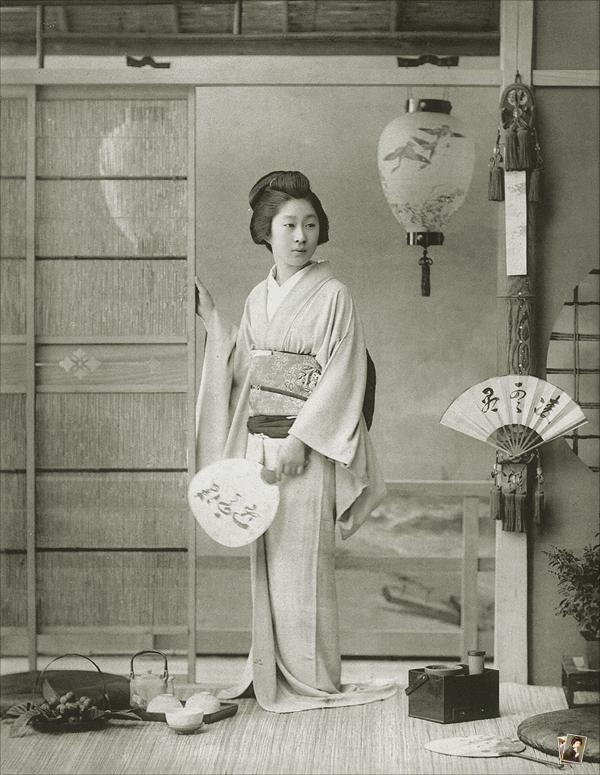 新橋芸妓 桃子